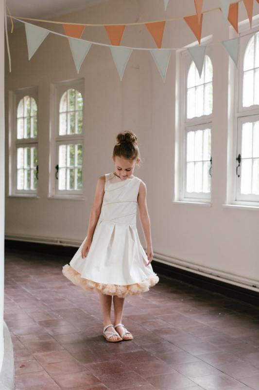 Pure white and gold Atelier Flexje